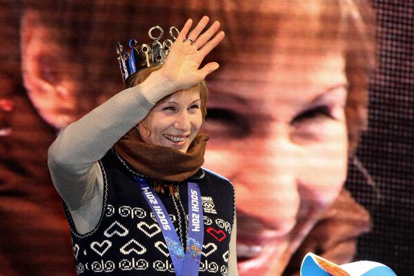 Nasťa po návrate z olympiády v Soči na Námestí SNP 26. februára 2014.