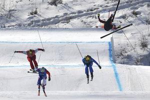 Akrobatické lyžovanie.