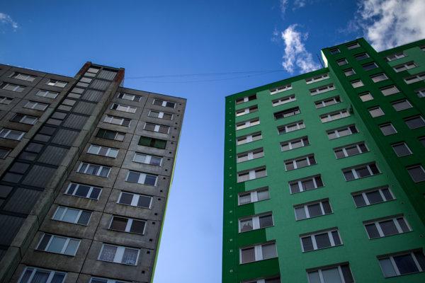 Rozdiely v cenovom vývoji domov a bytov sú zapríčinené vyšším záujmom o byty zo strany kupujúcich.