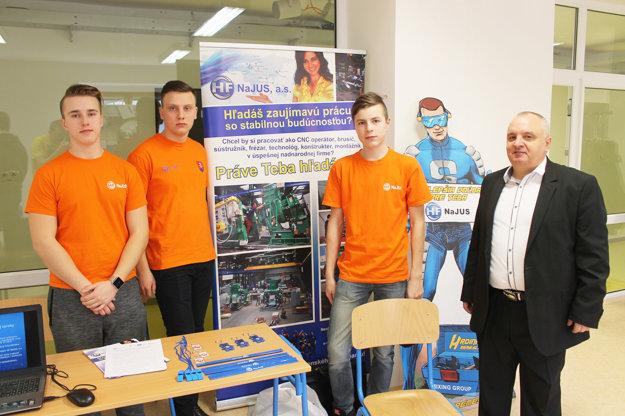 Ing. Karol Šperka (vpravo) je v HF Najus koordinátorom duálneho vzdelávania.