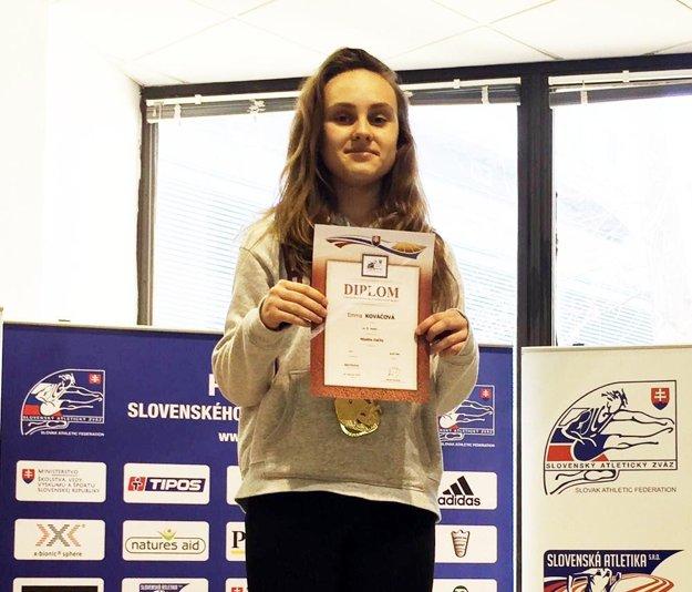 Emma Kováčová vyhrala šprint mladších žiačok na 60 metrov.