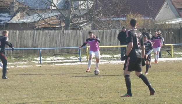 Útok často podporuje pravý obranca Mikolaj Popovič