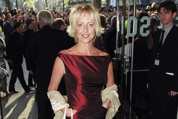 Na archívnej snímke z 27. apríla 1999 britská herečka Emma Chambersová v Londýne.