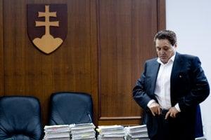 17. február 2010. Jozef Majský na Špecializovanom súde v Pezinku počas pojednávania.