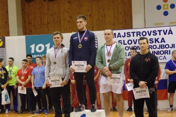 Kristián Slíž so zlatou medailou.