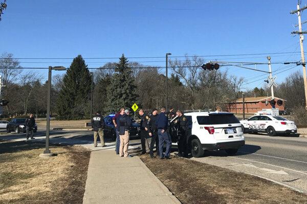 Polícia v areáli Central Michigan University.