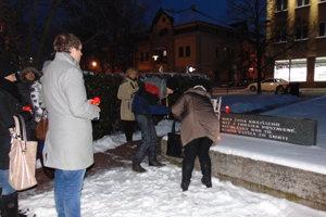 Zavraždeného J. Kuciaka si 28. 2. uctili aj v Nových Zámkoch.