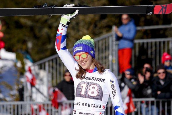 Slovenská lyžiarka Petra Vlhová sa raduje z tretieho miesta v kombinácii Svetového pohára vo švajčiarskej Crans Montane.