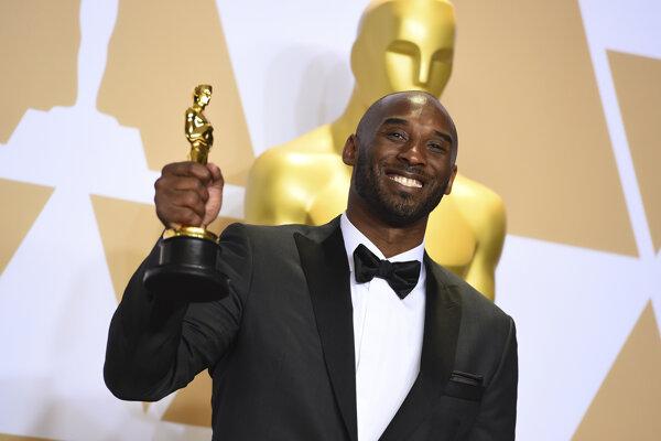 Kobe Bryant má doma už aj Oscara.