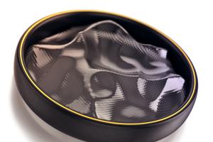 Menštruačný disk je kruhovitý nízkoalergénny vynález vyrobený z mäkkého materiálu bez latexu. Žena ho môže mať v tele zavedený až 12 hodín. Krv nevstrebáva, ale zachytáva v nepriepustnej membráne.