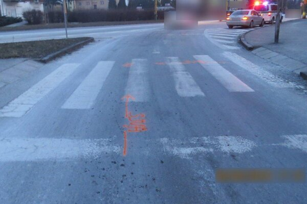 Okolnosti dopravnej nehody vyšetrujú, pomôcť by mohli svedkovia.