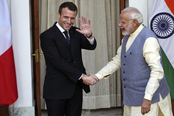 Francúzsky prezident Emmanuel Macron sa stretol s indickým premiérom Naréndrom Módím.