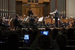 V koncerte pre zbor smartfónov účinkovali aj diváci.