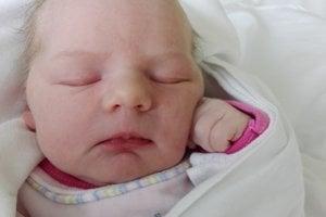 Ellie Mižialková (3450 g, 49 cm) sa narodil 8. februára Diane a Martinovi z Ivanoviec. Doma sa na sestričku teší 5-ročná Miška a 16-mesačný Adamko.