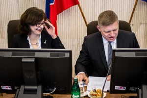 13. apríl 2016. Ministerka spravodlivosti Lucia Žitňanská a predseda vlády SR Robert Fico počas rokovania Hospodárskej a sociálnej rady.