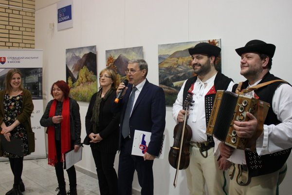 Sprava terchovskí muzikanti M. Holeša, V. Krkoška, riaditeľ SI J. Šmihula, výtvarníčka Z. Bobovská Bošková, kurátorka M. Hučková apracovníčka SI M. Zeleňanská.