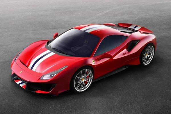 Ferrari 488 Pista má premiéru na včera otvorenom autosalóne v Ženeve. Superšportový model 488 Pista nadväzuje na modely 360 Challenge Stradale, 430 Scuderia i 458 Speciale a je určený na pretekanie na okruhoch i na jazdu na verejných cestách.