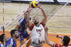 Prešovčania doma neuhrali ani set. Domáci Kamil Feňo počas druhého zápasu semifinále.