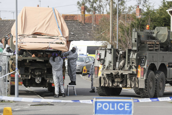 Vyšetrovanie V Salisbury prebieha za prísnych bezpečnostných opatrení.