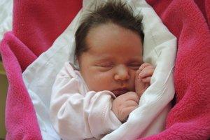 Nela Gugová (3410 g, 48 cm) sa narodila 6. marca Simone a Štefanovi z Hornej Súče. Doma už majú 2,5 ročnú Luciu.