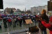 Za slušné Slovensko sa postavili stovky Lučenčanov.
