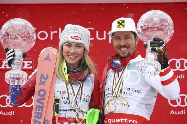 Víťazi Svetového pohára za sezónu 2017/2018 - Mikaela Shiffrinová a Marcel Hirscher.