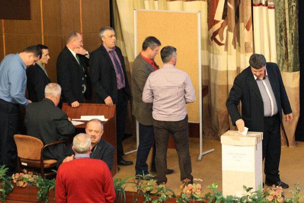 V piatok v Nitre volilo všetkých 68 pozvaných delegátov.