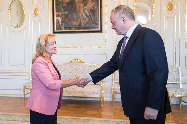 Andrej Kiska prijíma nominantku na post ministerky kultúry Ľubicu Laššákovú.