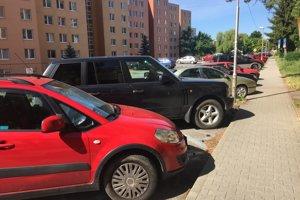 Parkovanie na sídlisku Juh.