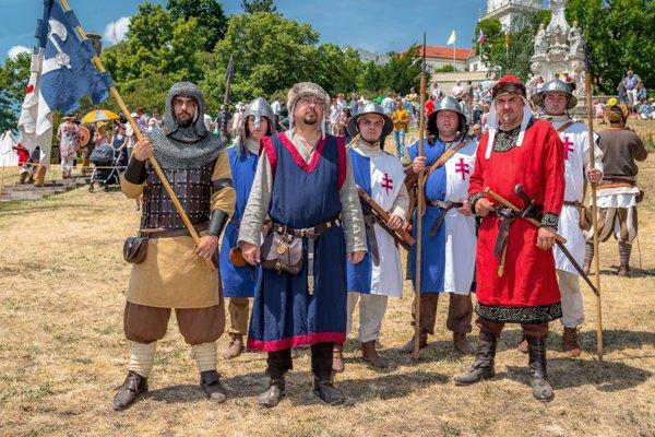 Členovia dobového spolku Militia Portalis oživujú aj dejiny nášho územia počas 13. storočia.