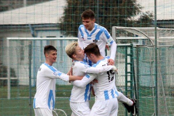 Starší dorastenci FC Nitra sa vo štvrtok tešili z víťazstva 4:1 nad Dunajskou Stredou.