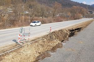 Stavba cyklotrasy medzi Púchovom a Nimnicou pokračuje.