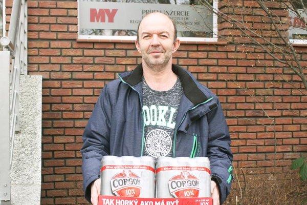 Pre kartón piva Corgoň od spoločnosti Heineken si prišiel Miroslav Bédi z Lúčnice nad Žitavou.