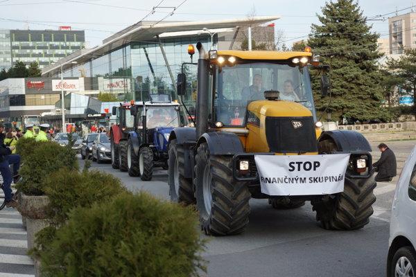 Protest farmárov v centre Košíc.
