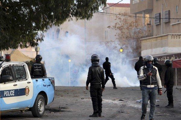 Tunisko patrí medzi demokratické krajiny, no ani jemu sa nevyhýbajú nepokoje a protesty.