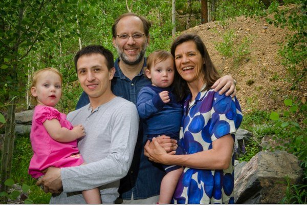 Ira Sachs (v strede), jeho manžel Boris Torres, ich deti Viva a Felix a matka detí, Kirsten Johnson.