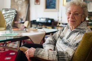 Ing. Dorota Pospíšilová, PhD. (85)Narodila sa a väčšinu života prežila v Bratislave. Študovala na Vysokej škole poľnohospodárskej v Košiciach. Vyšľachtila a má zaregistrovaných 24 odrôd viniča, z toho trinásť muštových – biele: Devín, Breslava a H