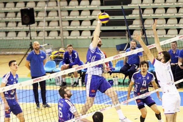 Volejbalisti Nitry prehrávajú vo finále s Prievidzou 1:3 na zápasy.