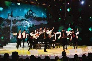 Trenčiansky folklórny súbor Nadšenci v televíznej šou Zem spieva.