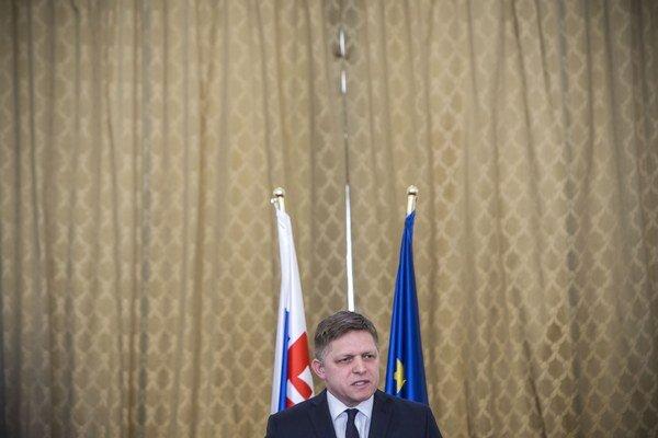 Premiér počas hodnotenia troch rokov vládnutia Smeru.
