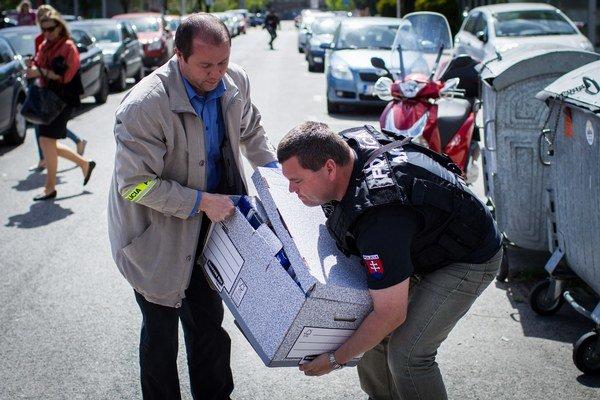 Zásah polície vo firme Váhostav.