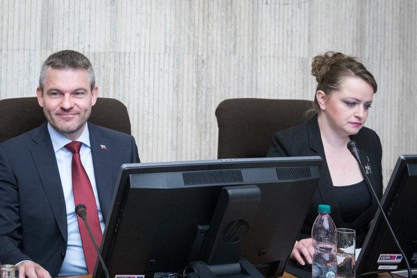 Predseda vlády SR Peter Pellegrini a viceprezidentka KOZ SR Monika Uhlerová.