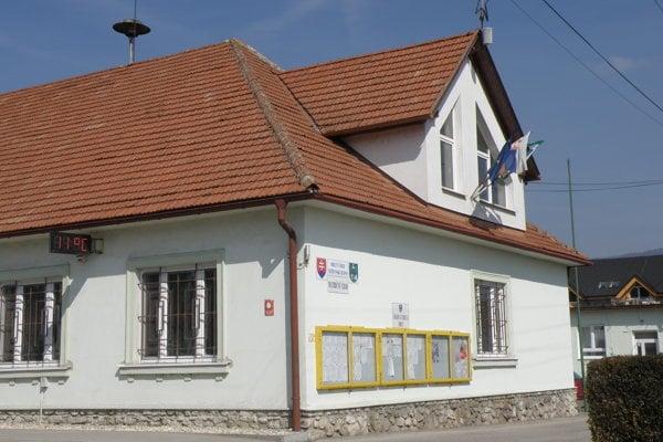 Obecný úrad Nitrianske Rudno.