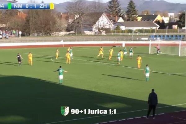 Martin Jurica sa trafil z približne 40 metrov.