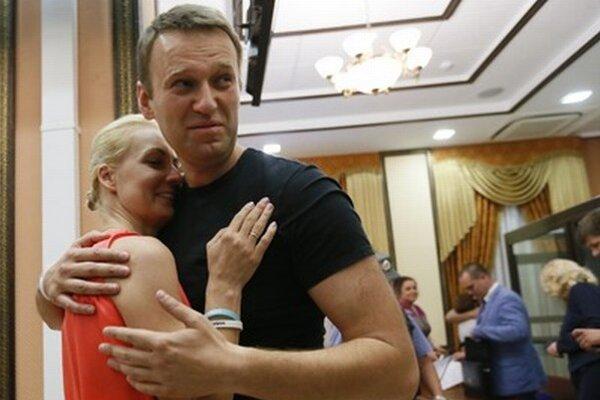 Alexej Navaľnyj po prepustení z väzby na kauciu.