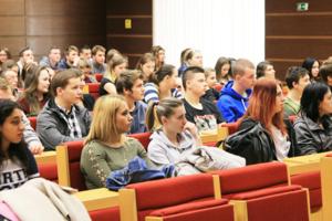 Študenti Hotelovej akadémie vLiptovskom Mikuláši sa stretli smožnými budúcimi zamestnávateľmi na Dni kariéry.
