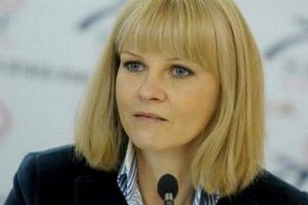 Zuzana Zvolenská má po roku a pol drzosť povedať, že štát sa už ani nechystá povedať, aký je garantovaný rozsah zdravotnej starostlivosti.