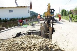 Obec dorába zvyšné, vedľajšie časti kanalizácie.