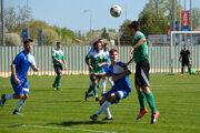 Veľký Meder (v zelenom) si vdomácom zápase poľahky poradil so Svätým Petrom.