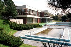 Pohľad na bazén v roku 1998.